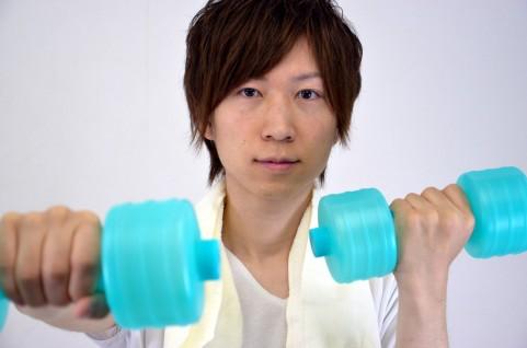 運動する男性エクササイズ